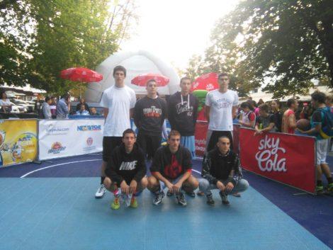 "Novi uspjesi košarkaških ekipa srednjoškolskog centra ""Gaudeamus"""